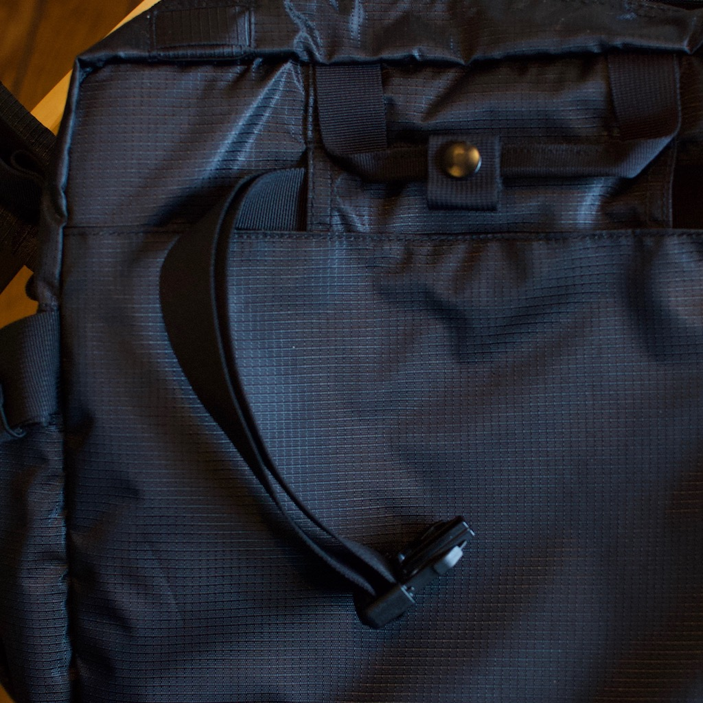 Detail photo of BackTpack 3.1 black hip-loading belt